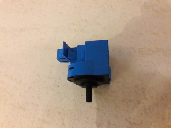 AEG L5468 FL, Niveauregler, gebraucht, Ersatzteile, Druckdose, Erkelenz